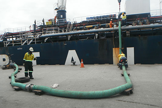 Ship To Shore Hose In Action 6 Inch Code 901 With Rope Lagging And SS316 ANSI 150 Flanges Each End