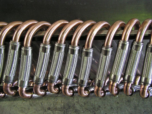 Stainless steel braided convoluted vibration eliminator