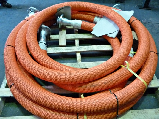 Rope lagging on composite hoses